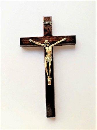Crucifixo de Parede em Madeira. Cristo em Metal, peça Verniz Alto Brilho. 23cm