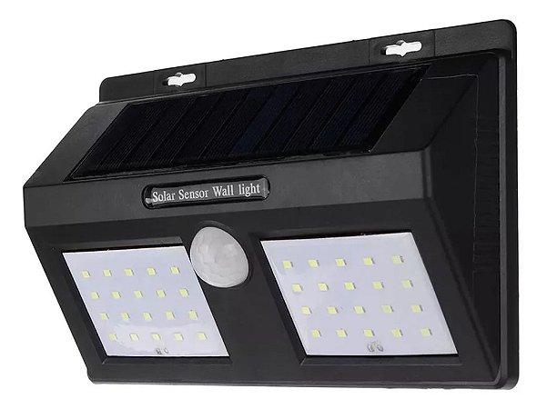 LUMINÁRIA SOLAR DE PAREDE COM SENSOR DE MOVIMENTO E ACENDIMENTO AUTOMÁTICO  40 LEDS - 12W