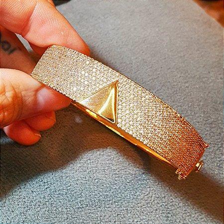 Pulseira Cravejada em Triângulo Ouro