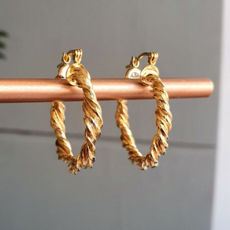 Brinco Argola Torcida Gold Mistic