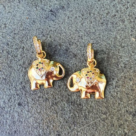 Brinco Elefante cravejado colors gold