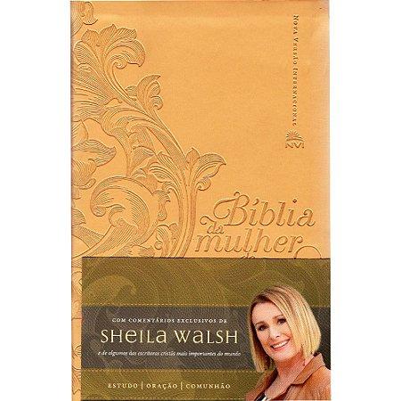 Bíblia Da Mulher De Fé - Nvi (Capa Couro Soft Dourado)