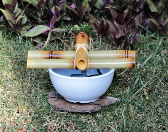 Fonte Bica Bambu Branca