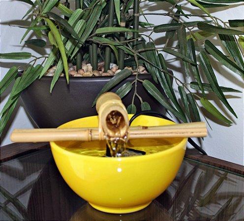 Fonte Bica Bambu Amarela