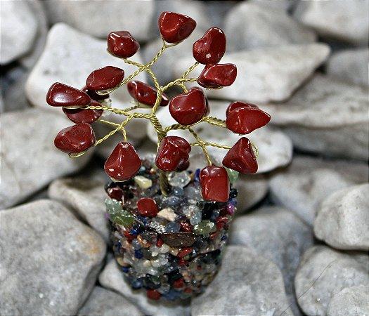 Árvore de Pedra Jaspe Vermelho com Base de Cristais Variados 9 cm