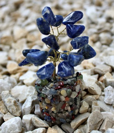Árvore de Sodalita com Base de Cristais Variados 9 cm