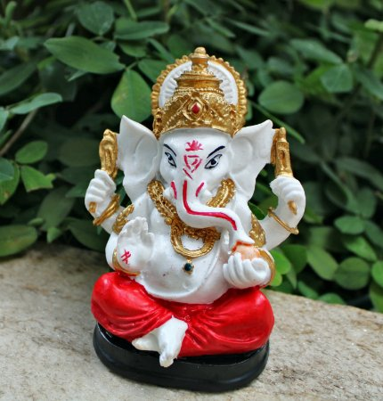 Ganesha mão na orelha Colorido