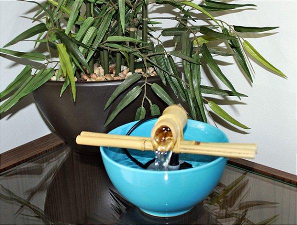 Fonte de Bica de Bambu Cerâmica Azul.