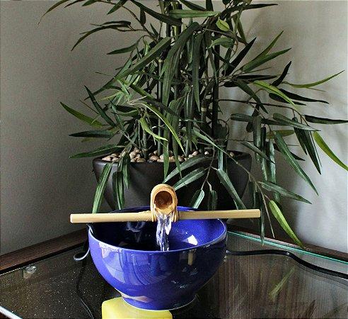 Fonte Bica Bambu Azul Marinho