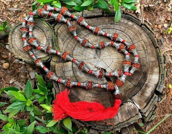 Japamala de semente de rudraksha com Metal Importado