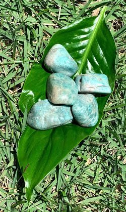 Pedra d Amazonita de 3 a 4 cm  - Signo de Aquário - Pedra 2021