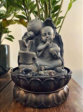 Fonte Buda silêncio é uma prece