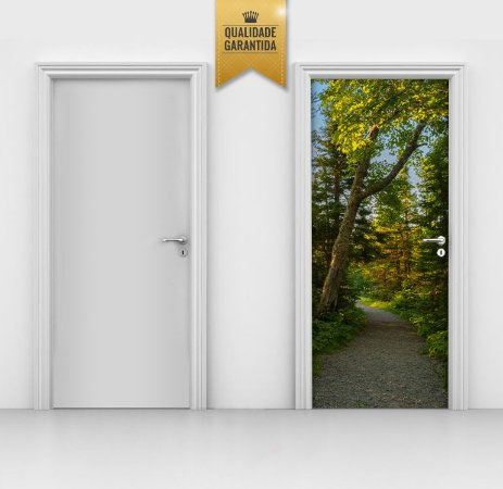 Adesivo de porta trilha na floresta