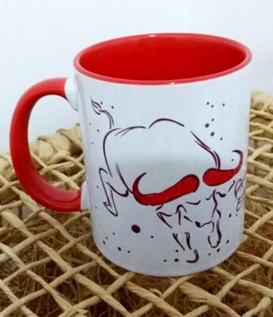 Iansã búfalo caneca vermelha