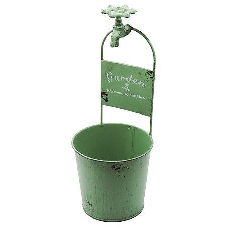Vaso de Metal de Parede com Torneirinha Verde