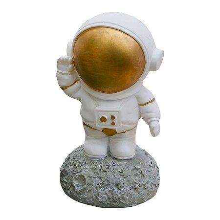 Enfeite Astronauta na Lua em Resina