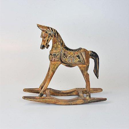 Cavalo de Balanço Rústico M