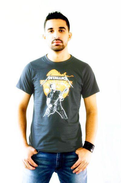 Camiseta Metallica Cinza