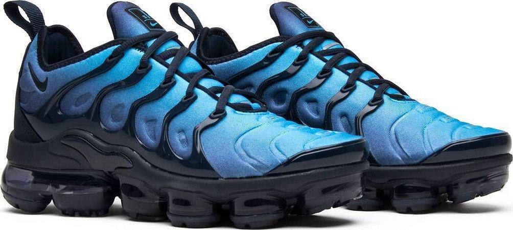 cc2ceb51da2 Tênis Nike Air Vapormax Plus Preto e Azul - Outlet Magrinho - Os ...