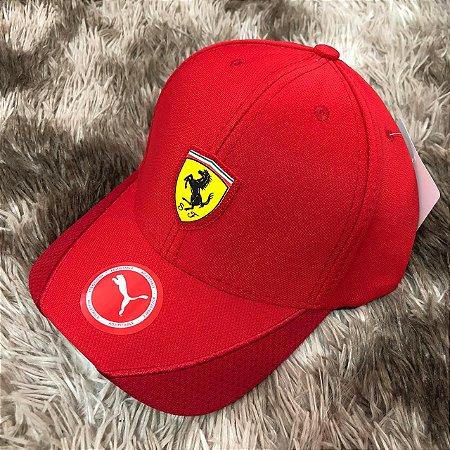 a02f9e826d2c1 Boné Ferrari F1 - Outlet Magrinho - Os Melhores Preços só Aqui!
