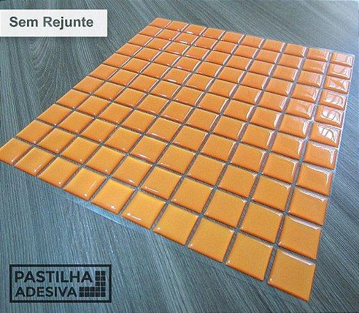 Placa Pastilha Adesiva Resinada 30x28,5 cm - AT043