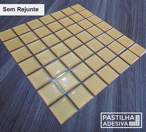 Placa Pastilha Adesiva Resinada 18x18 cm - AT073