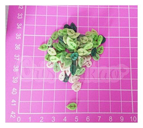 Kit com 100 Recortes em Feltro - Folhas Vazadas