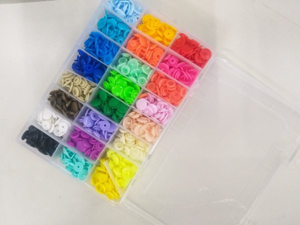 Caixa com 360 Botões Tic Tac Sortidos 24 cores - 15 cada