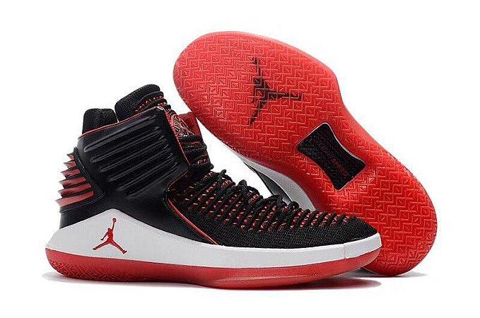 Tênis Nike Air Jordan XXXII Masculino - Preto e Vermelho