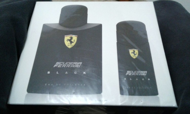 Kit Perfume Ferrari Black EDT 125ml + Perfume 30ml