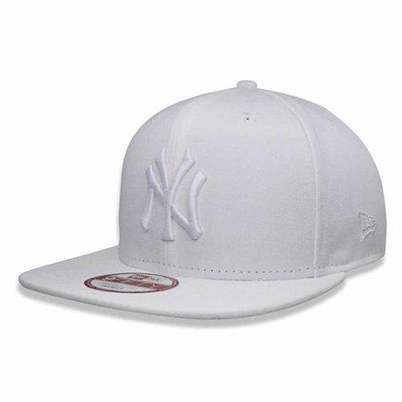 Boné New York Yankees Strapback White on White MLB - New Era