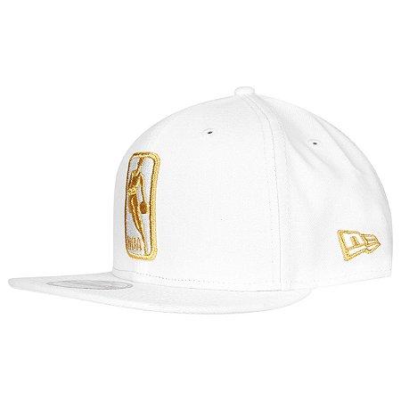 Boné Basic Logo NBA 950 Snapback Branco Dourado - New Era