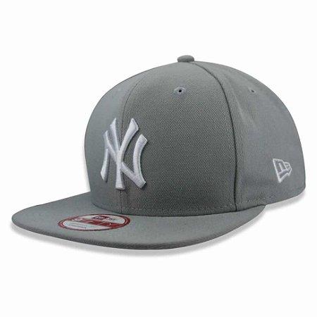 Boné New York Yankees 950 White on Gray MLB - New Era