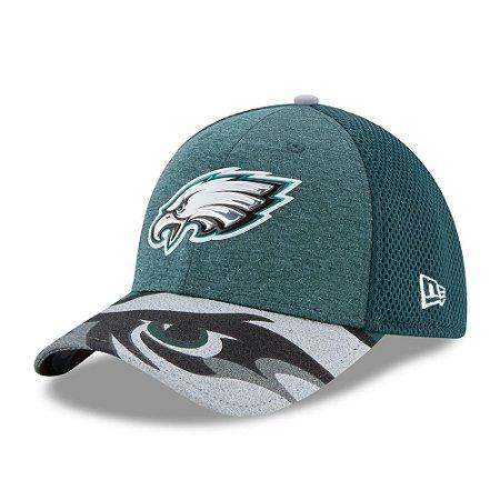 Boné Philadelphia Eagles Draft 2017 On Stage 3930 - New Era