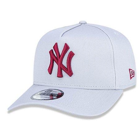 Boné New York Yankees 940 Veranito Logo Cinza/Vermelho - New Era
