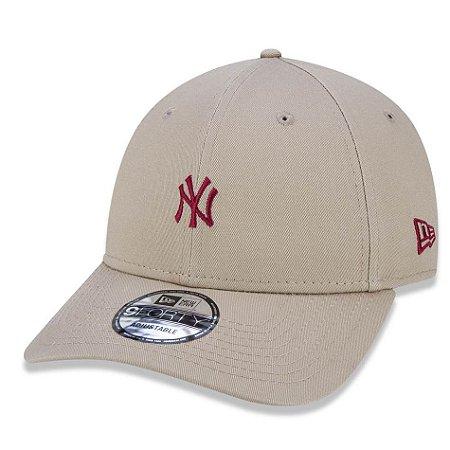 Boné New York Yankees 940 Veranito Mini Logo Bege/Vermelho - New Era