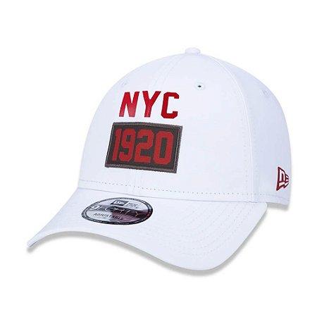 Boné New Era 940 Utilitary 1920 NYC Branco Aba Curva