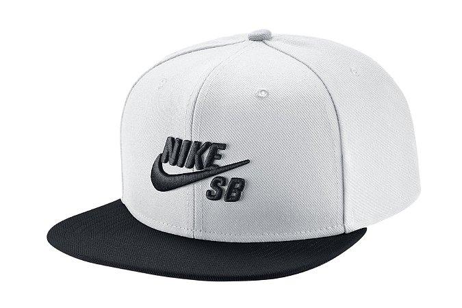 2d4907f055 Boné Nike SB Aba Reta Icon Branco - Snapback - Original - Surfers ...