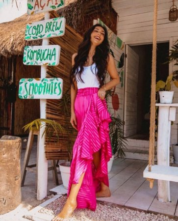 44adf3b92e Saia com fenda e babados rosa - Looks da Milena - Looks da Milena ...