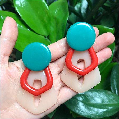 Brinco Maxi Trio de Resinas Verde Vermelho e Nude