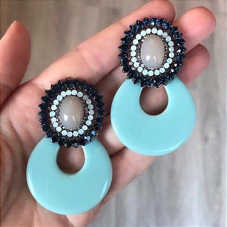 Brinco Diva Resina Azul Claro com Pedra e Strass