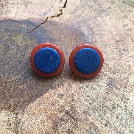 Brinco de Botão em Disco Laranja Queimado e Azul Marinho Camila Vanni