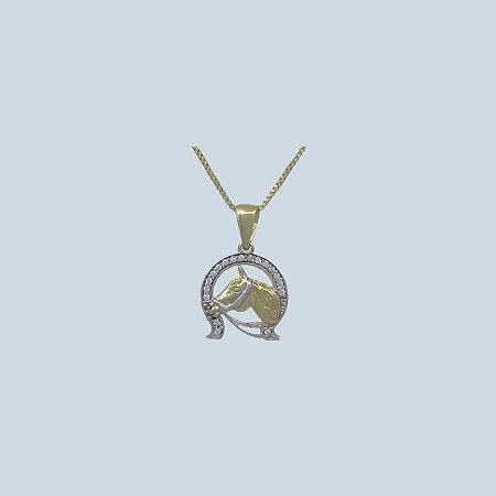 Colar Cabeça de Cavalo com Pedra Pequena