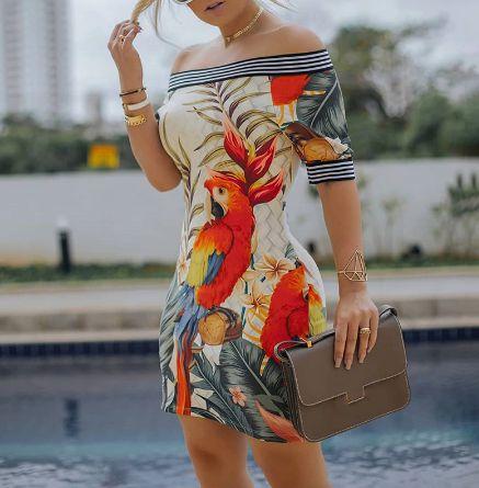 Vestido Feminino Ombro à Ombro Listrado Estampa Pássaro dos Trópicos
