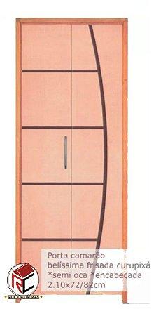 Porta de Madeira Semi-Oca Camarão Frisada Belíssima Curupixá C/ Puxador Montada Batente Misto 11 cm - Rick Esquadrias