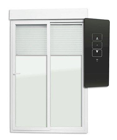 Porta de Correr Integrada 2 Folhas Móveis em PVC Acionamento por Controle Remoto c/ Cremona c/ Motor c/ Vidro Liso Temperado - Brimak Itec