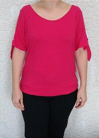 6c6301ff6 Blusa de viscose rosa escuro de manga curta com detalhe na manga ...