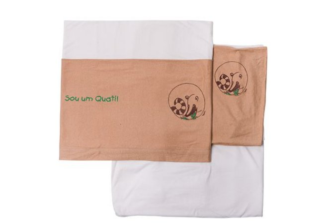 Conjunto lençol de berço com bordado de animais brasileiros