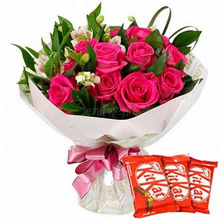 Luxuoso Buquê de Rosas Pink com Astro melias e Kit Kat 03 Unidades