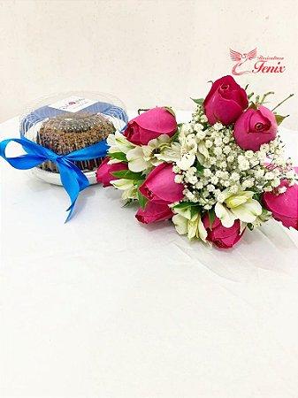 Mix de Flores com Bolo de Chocolate